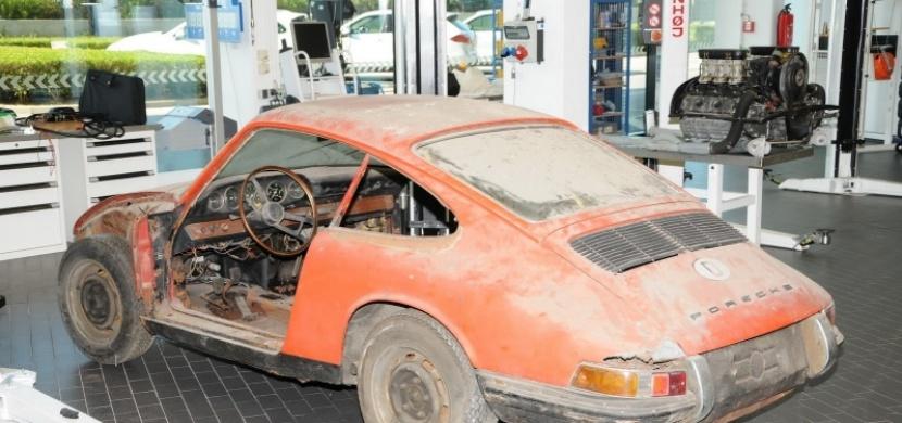 Legendární Porsche 901 našli v absolutně zuboženém stavu. Jak vypadá nyní?