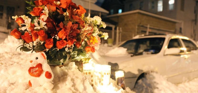 Žena a její 1letý syn zahynuli v autě, když manžel odklízel sníh. Příšerné neštěstí, které může zasáhnout i vás!