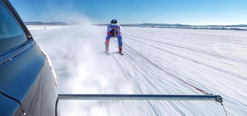 Jaguar XF Sportbrake táhl lyžaře téměř dvoustovkou, překonali světový rekord