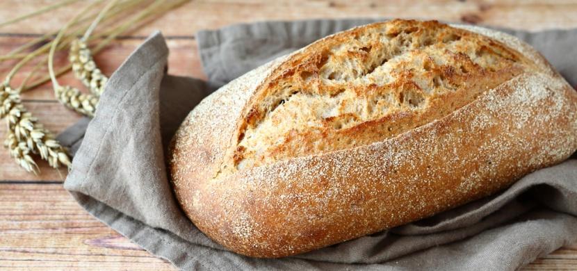 Domácí chléb s křupavou kůrčičkou